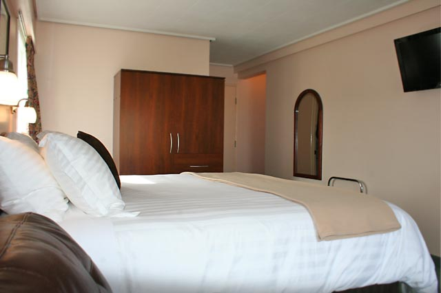King Deluxe Room with flat screen tv
